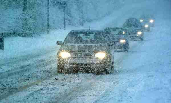 car snow winter driving