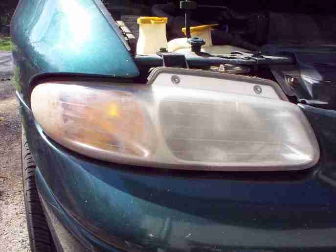 headlight cleaner before right