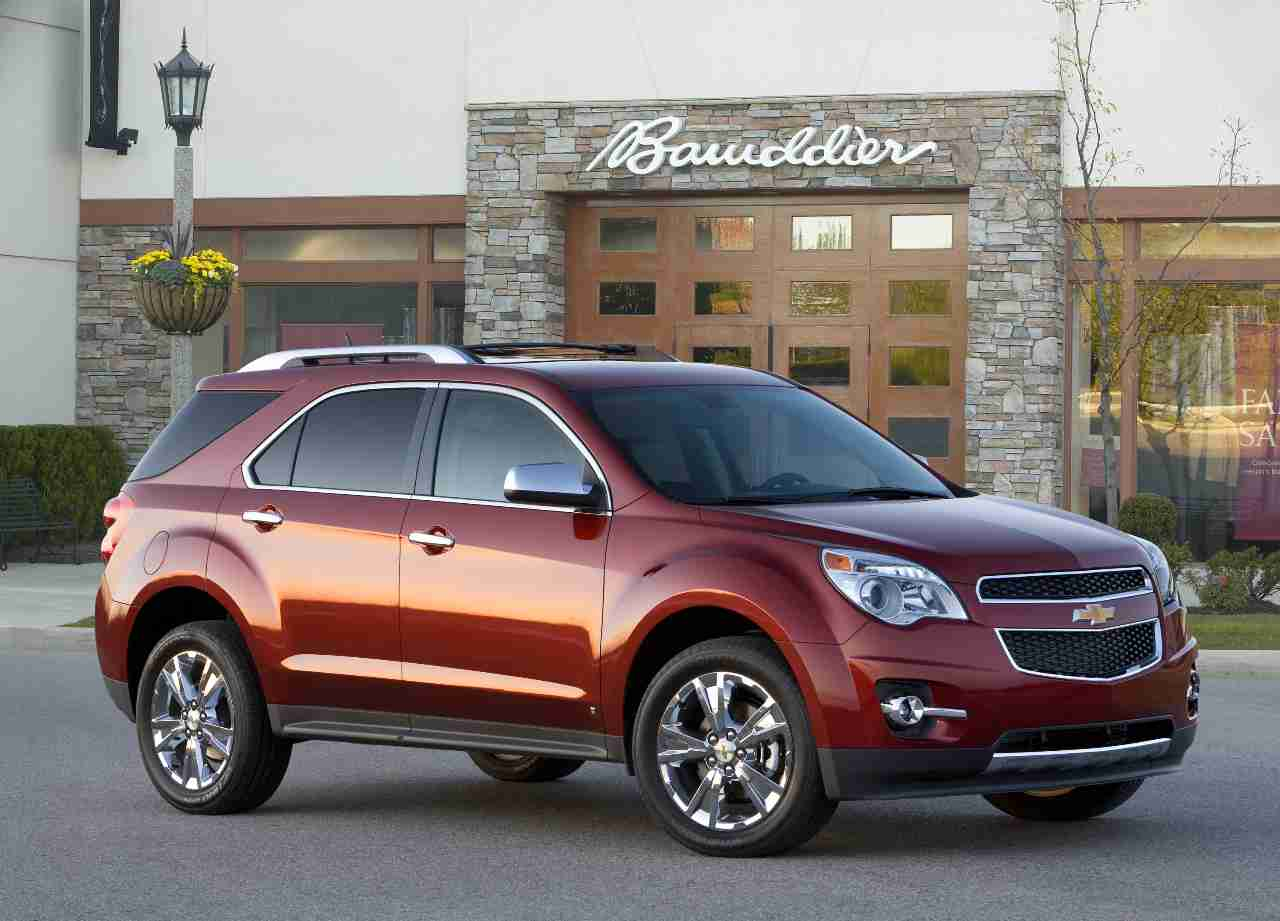 2010 chevy equinox car review by car expert lauren fix the car coach. Black Bedroom Furniture Sets. Home Design Ideas