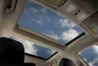 2010 Maxima moonroof