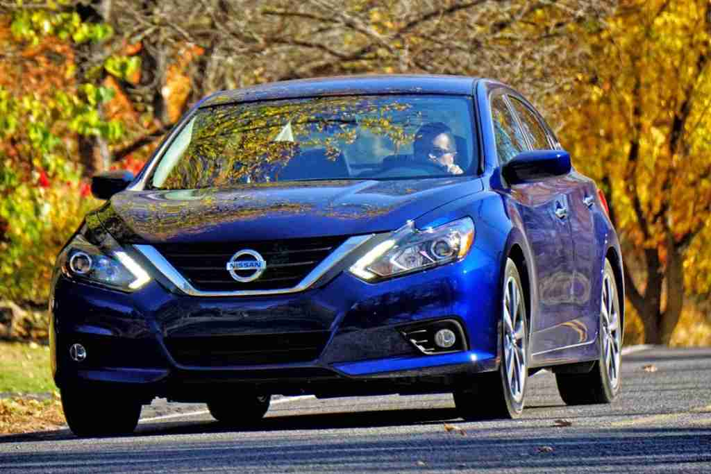 2016 Nissan Altima by Mark Elias