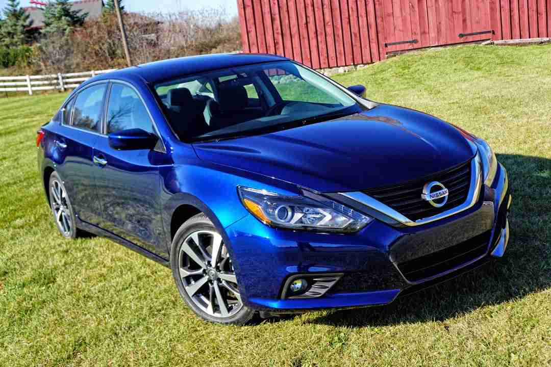 2016 nissan altima car review by mark elias. Black Bedroom Furniture Sets. Home Design Ideas