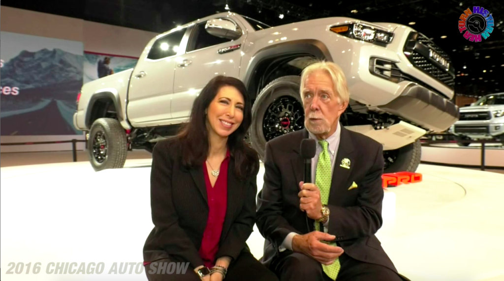 Chicago Auto Show 2016 - His Turn - Her Turn